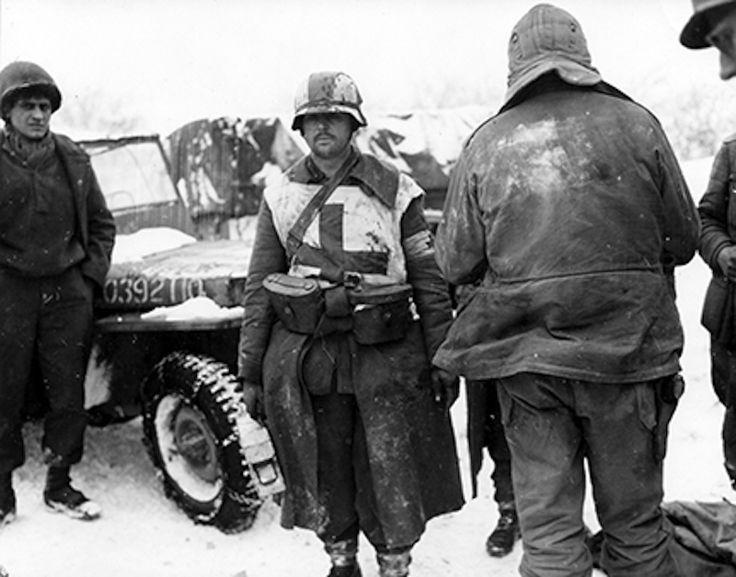 Afbeeldingsresultaat voor german medic ardennes 1944