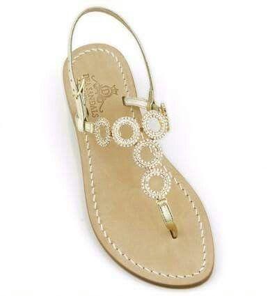 Un jolly come sandalo gioiello. Versione oro ed argento per un outfit perfetto. www.deasandals.com
