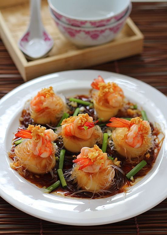 Steamed Prawns with Tofu & Glass Noodles: Serve piping hot! #food #recipe