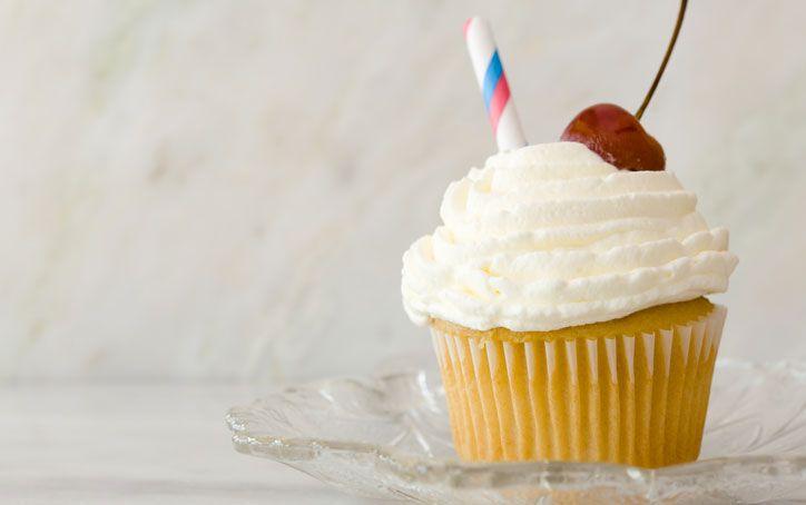 Vanilla Malt Cupcakes on PaulaDeen.com