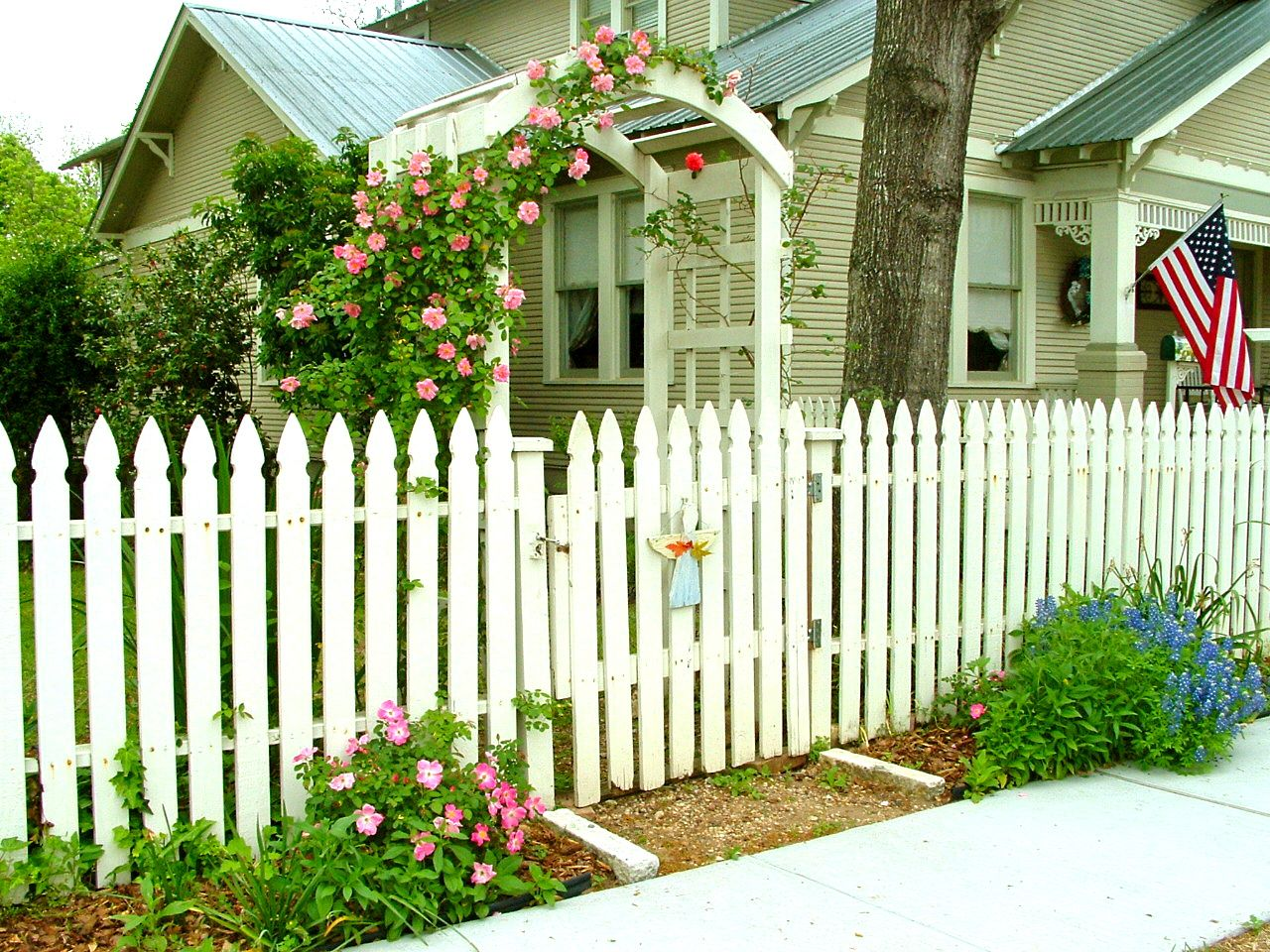 Picket Fence Is A Tinted White Color Then That Is The Color Used On The Fence Fence Design White Picket Fence Fence Gate Design