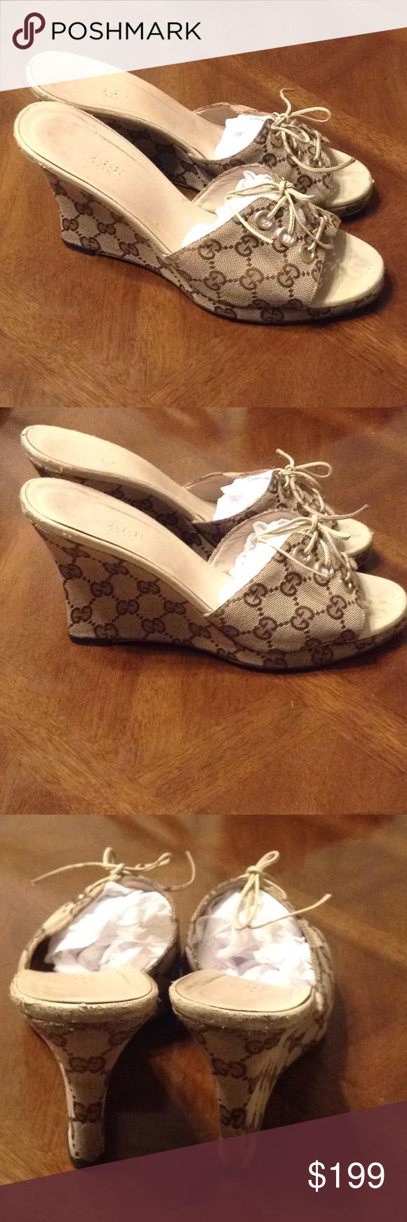 43312e0fb7c87 Gucci size 8 beige monogram wedges Gucci Women's Wedge Sandal Size 8 ...