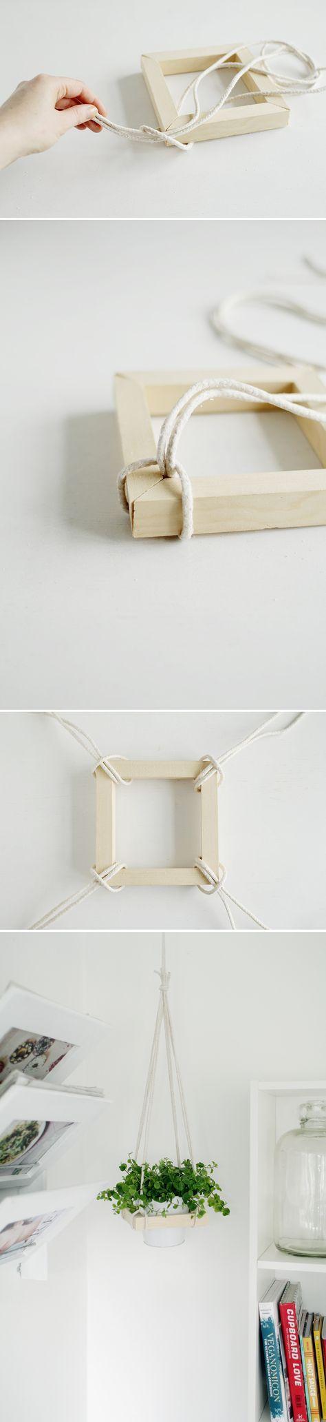 DIY square hanging planter ♥ man kunne godt lave noget lignende i haven ud fra væggen for at få noget i højden