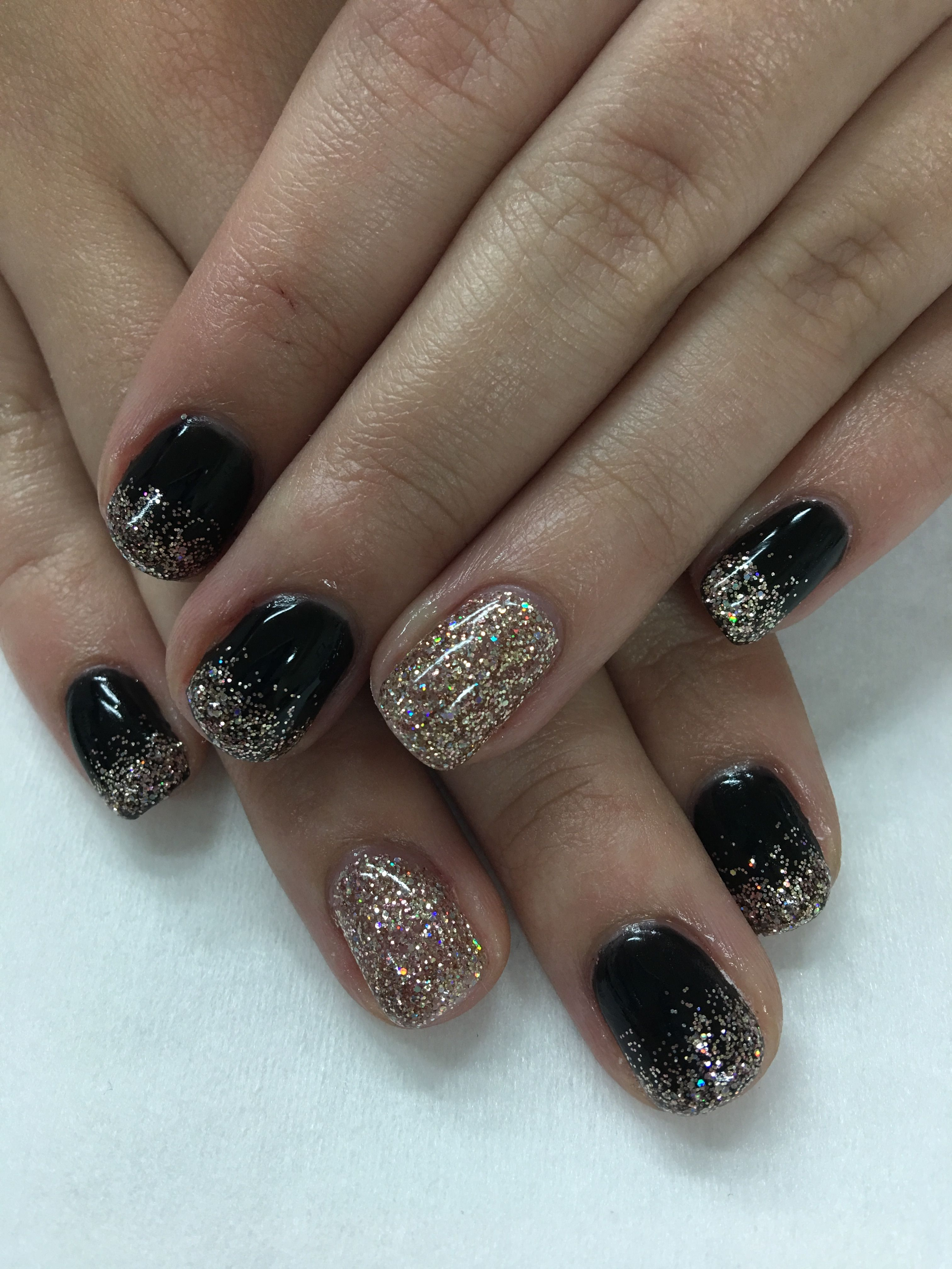 Black & Light Elegance Champagne Glitter Ombré Holiday New Years Gel ...
