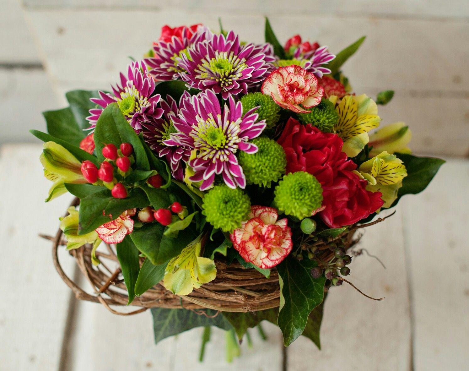 Zakonczenie Roku Szkolnego Nie Masz Pomyslu Na Co Sie Zdecydowac Zobacz Nasze Pomysly Na Kwiaty Z Okazji Zakoncz Floral Floral Wreath Wreaths