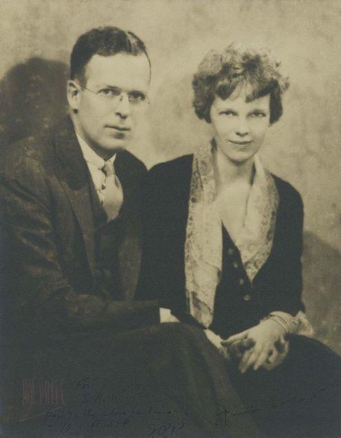 Was amelia earhart married