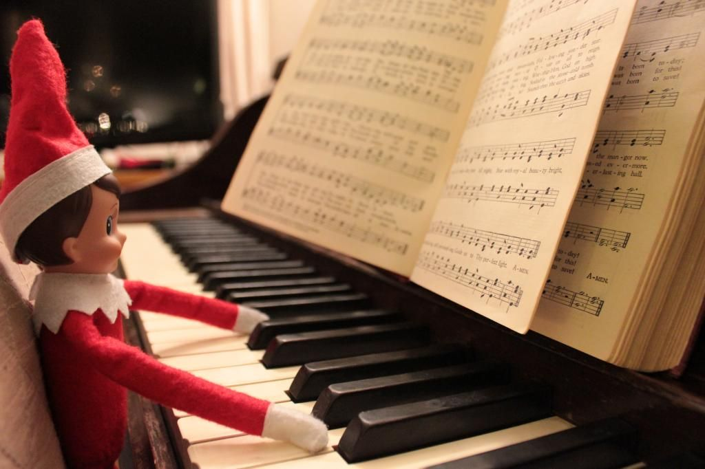 Elf on the Shelf - Playing Piano