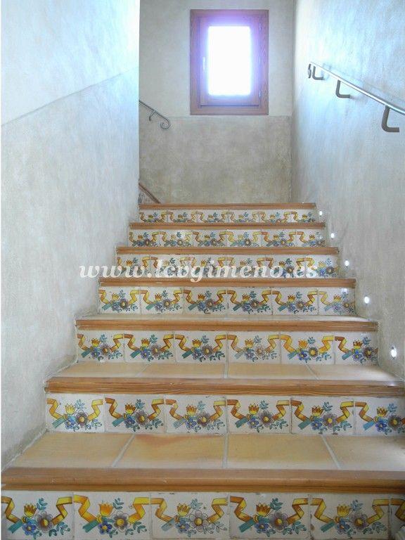 Escalera azulejos contrahuella ideas originales for Contrahuella escalera