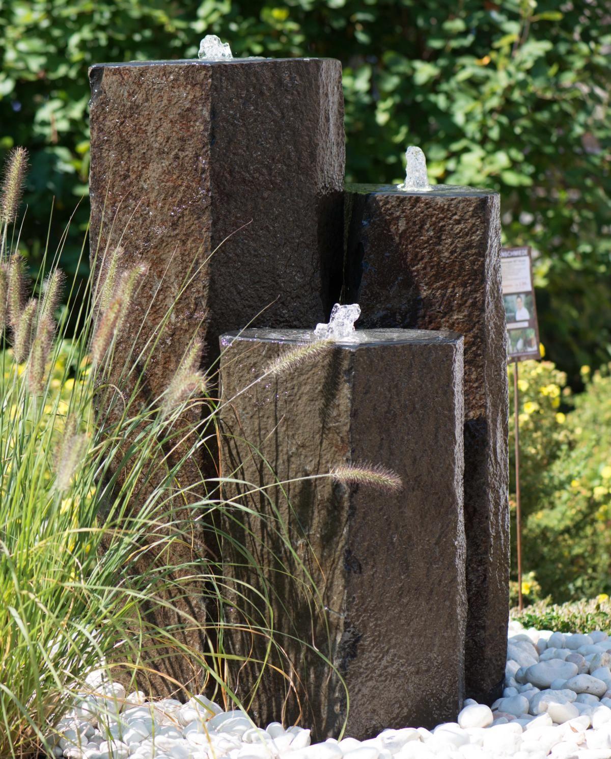 Quellstein Säulen Basalt | BRUNNENSCHMIEDE Wasserwelten Ausstellung ...
