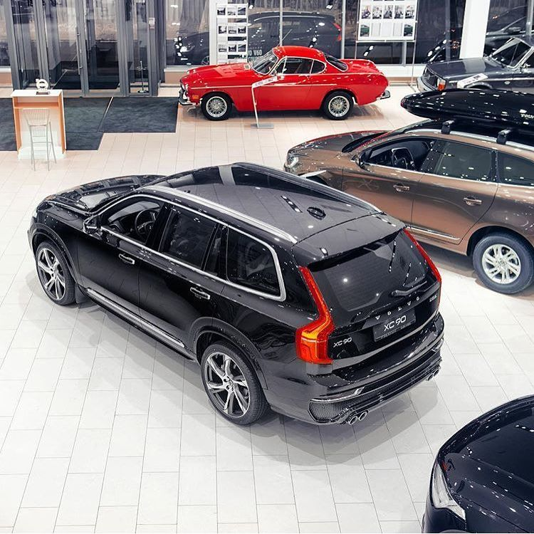 The Volvo Collaboration Thevolvocollaboration No Instagram Photo By Volvomoose Of A Moose Design Onyx Black Xc90 In A Volvo Showro Volvo Volvo Xc90 4x4