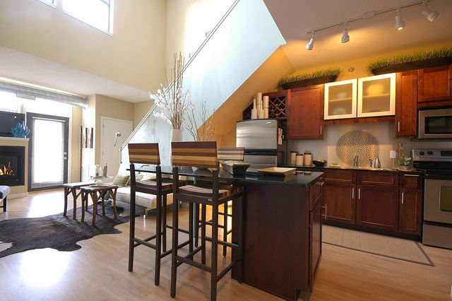 Lake Calhoun City Apartments In Uptown Minneapolis, MN Has Studio, 1, 2 And 3  Bedroom Apartments And 2 And 3 Bedroom Townhomes For Rent That Offer U2026