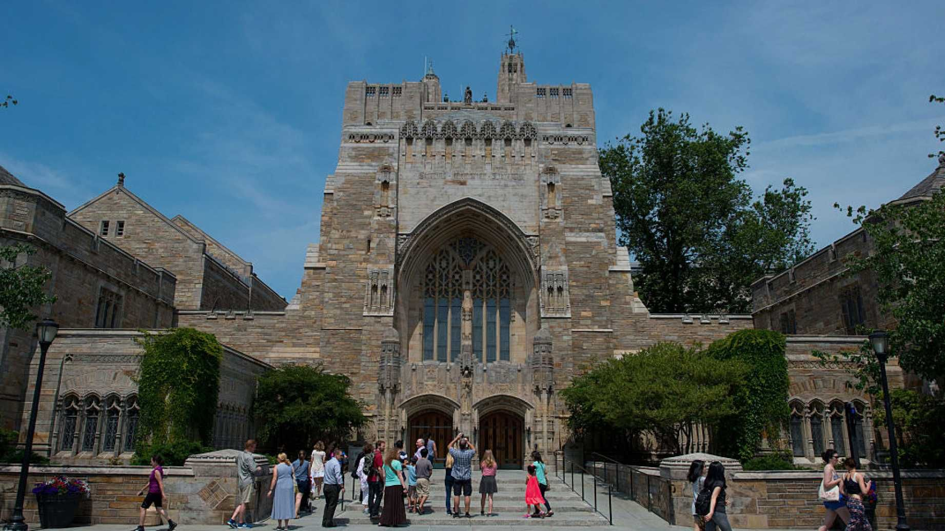 NO MORE SHAKESPEARE Yale 'Decolonizes' English Department