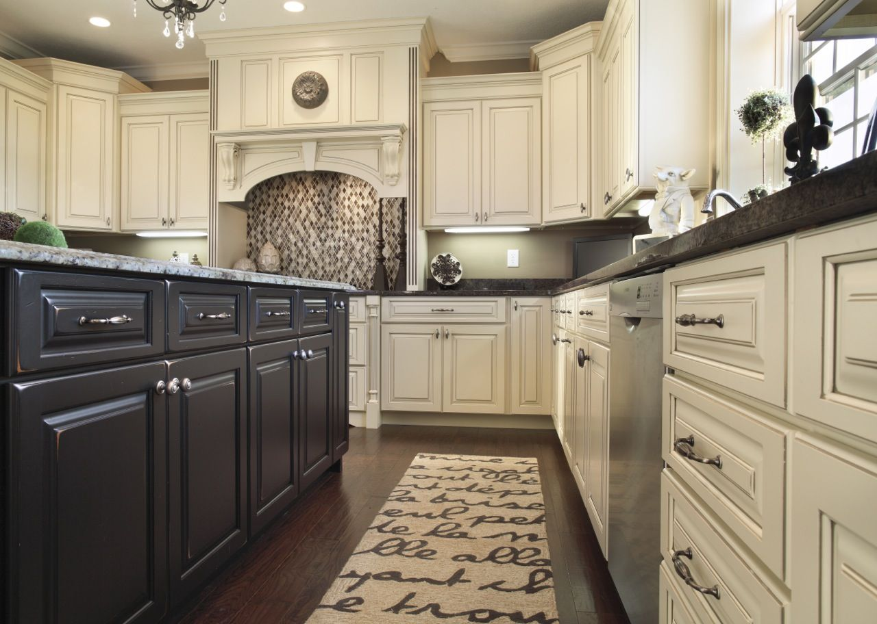 White Kitchen Cabinets Seem To Be A New Trend And This
