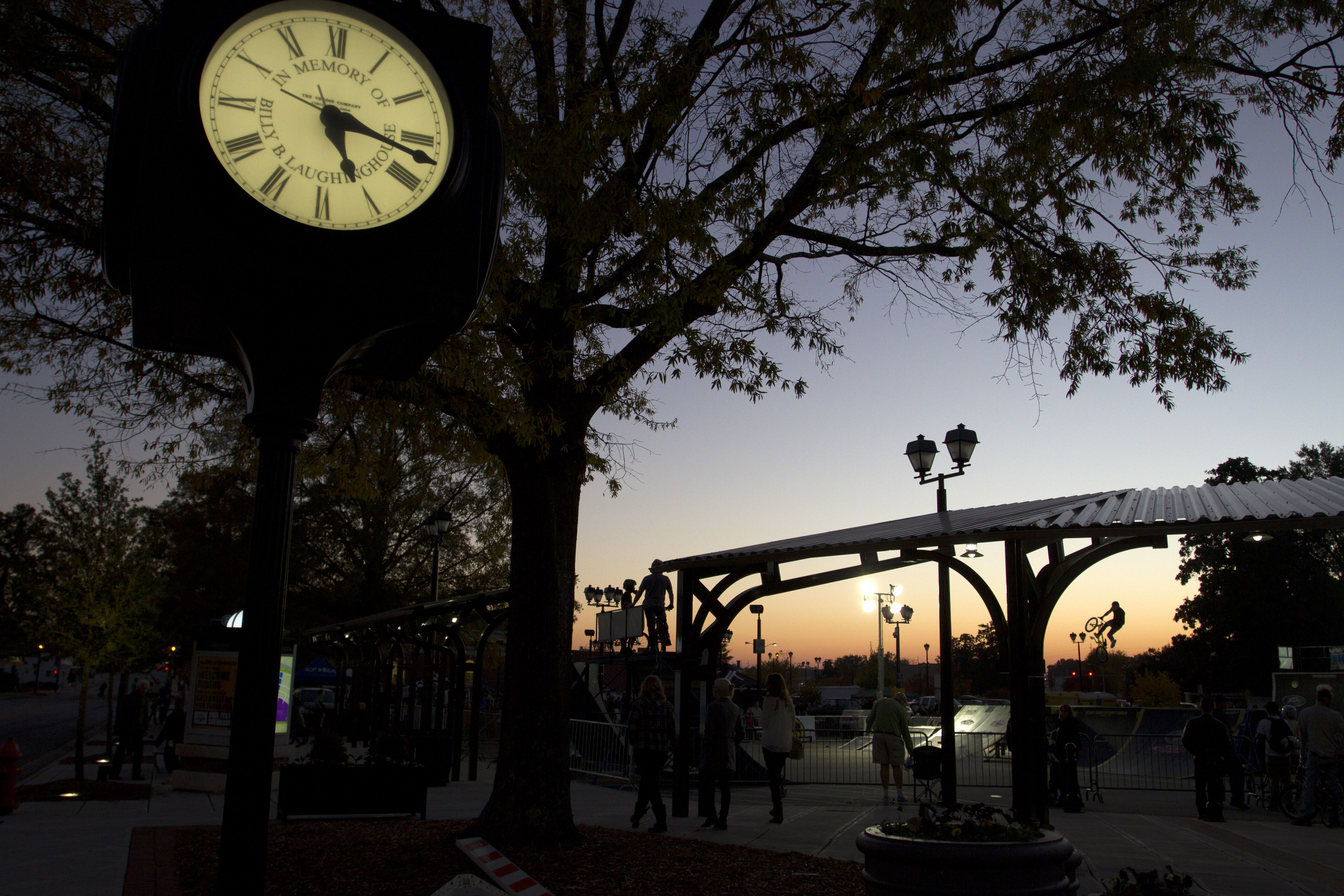 Sunset At Five Points Plaza In Uptown Greenville Places To See Travel Memories Trip