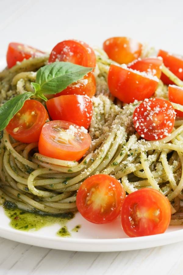 Photo of Spaghetti salad with herb pesto