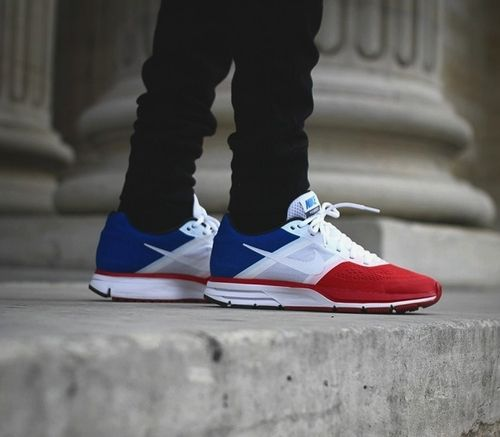 1fa9b0bde97a wanted! Nike, bleu blanc rouge | Red,White & Blue | Nike shoes cheap ...