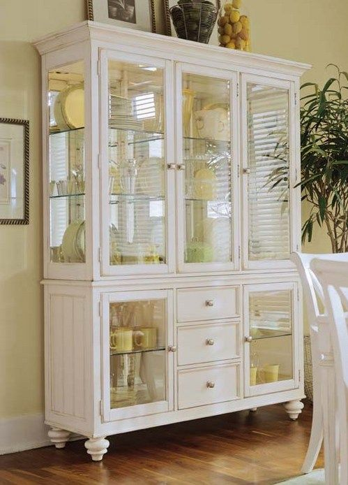 American Drew China Cabinet   Lexington Furniture