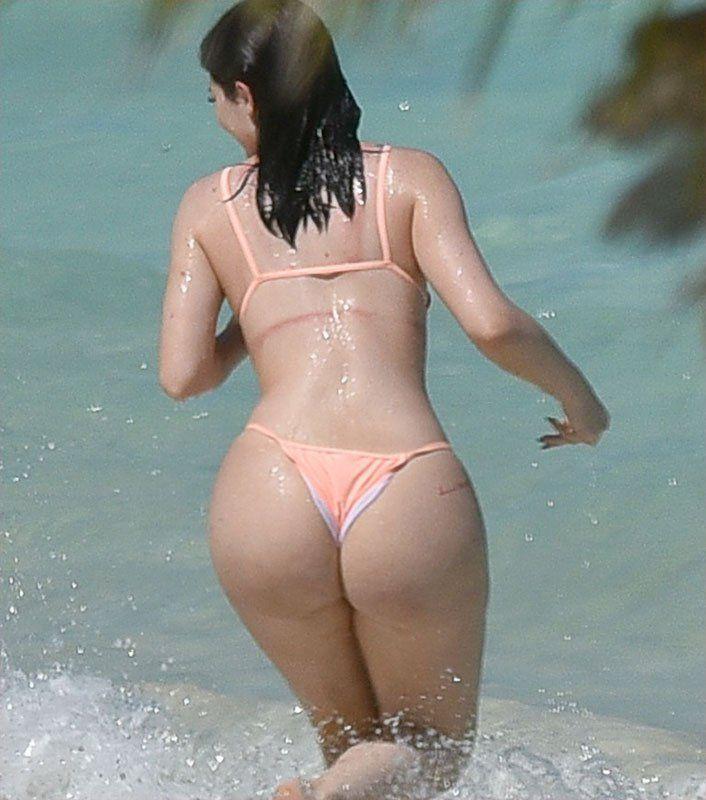 Birthday girl with nice ass — photo 6