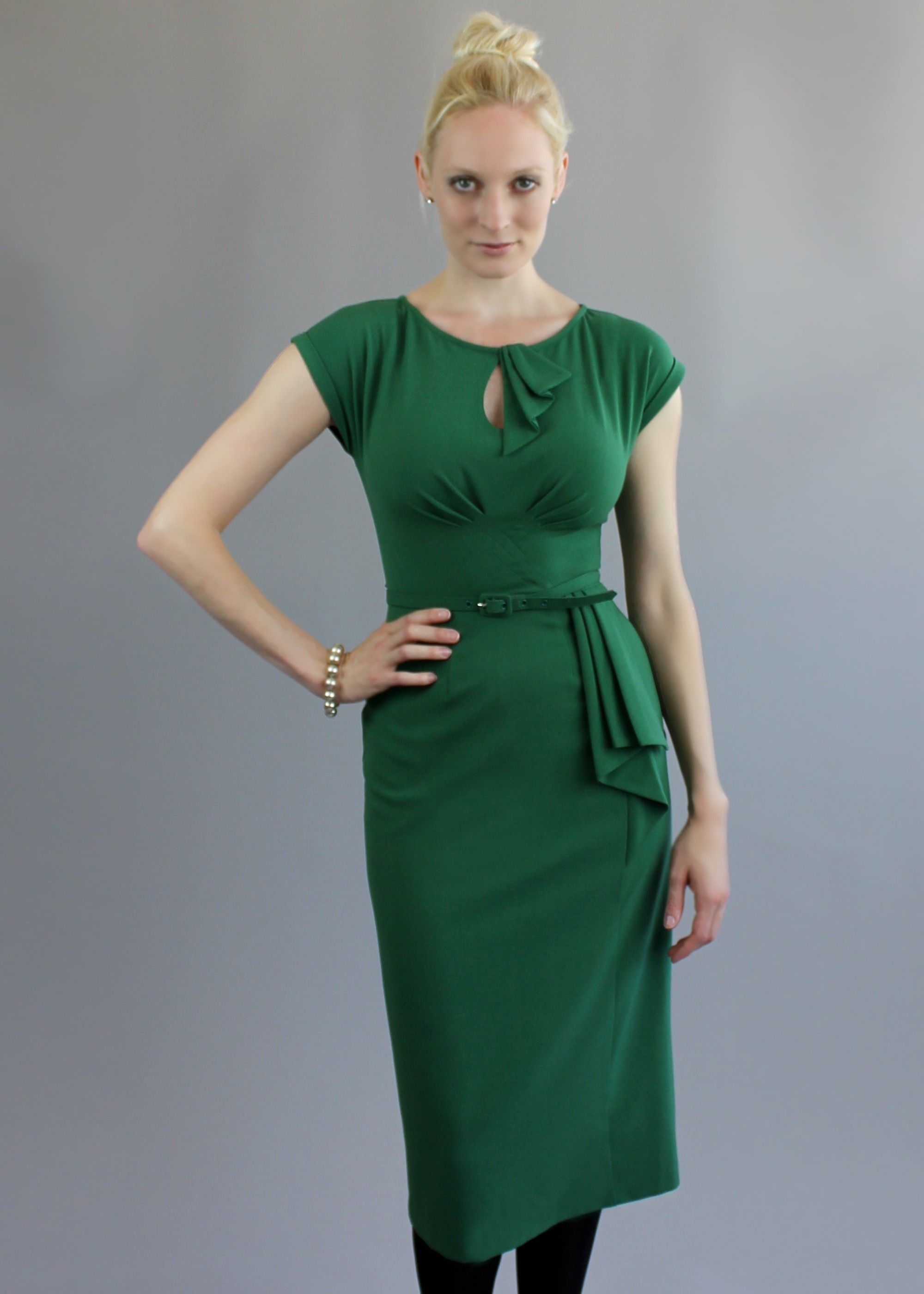 The green rita dress new in and fits to an h cup shop this