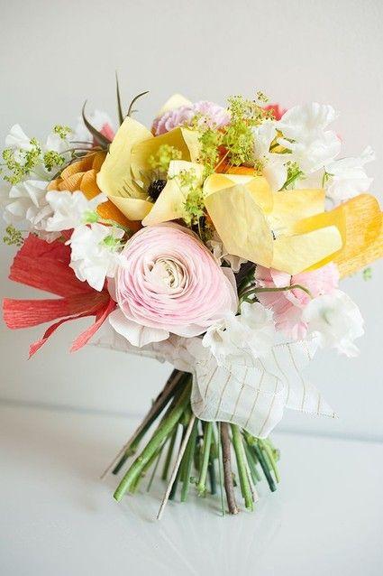 Listones y papel pueden formar un hermoso ramo floral. #Wedding #Flower #Bouquet