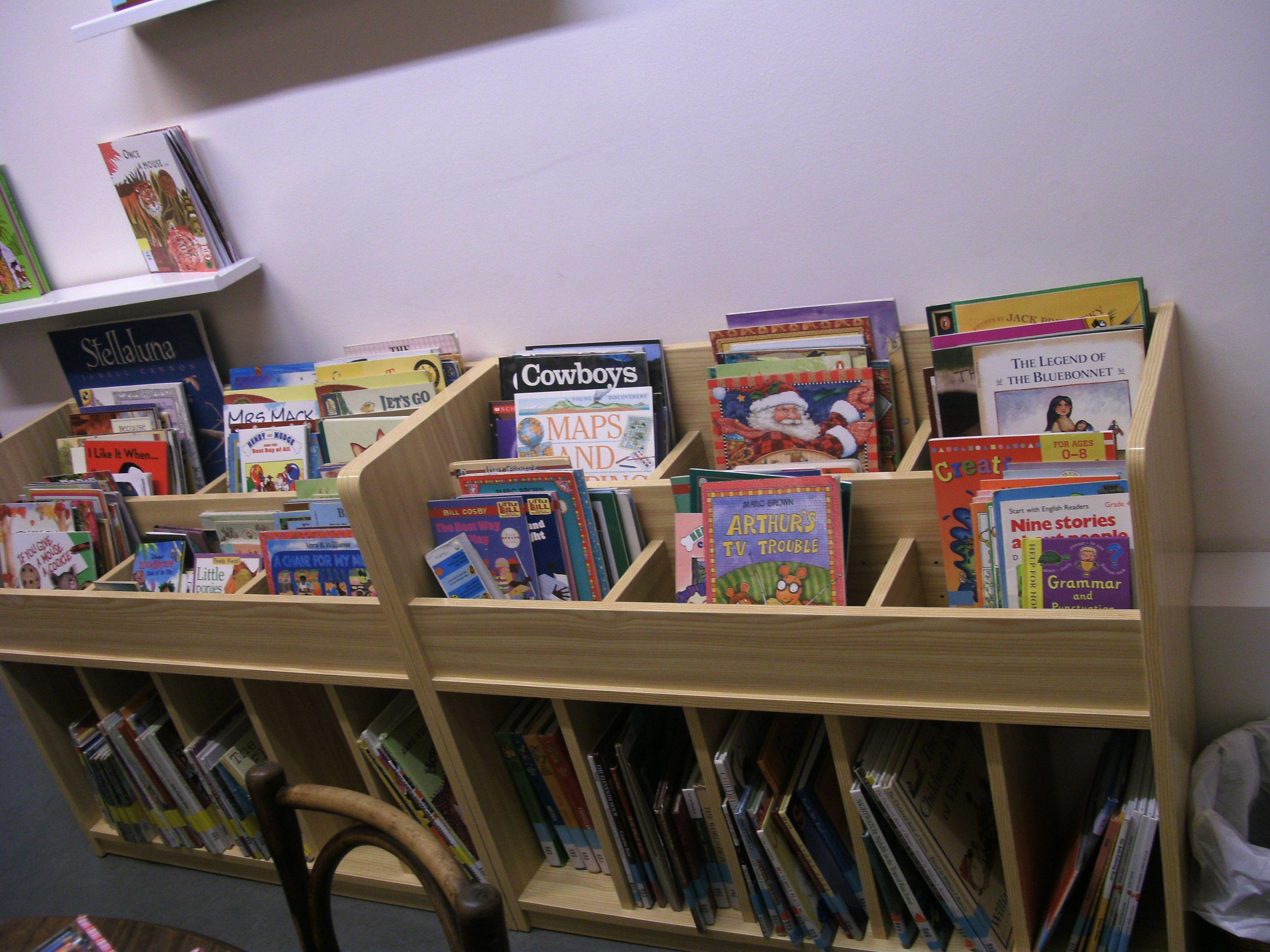 Muebles Para Libros Ninos.Nuevos Muebles Para Libros Infantiles En La Biblioteca Bibliotecas