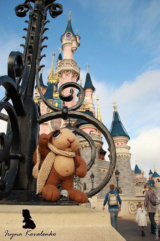 Купить Он был в Париже. Шарль - коричневый, зайка, заяц, зайцы, Париж, валяная игрушка
