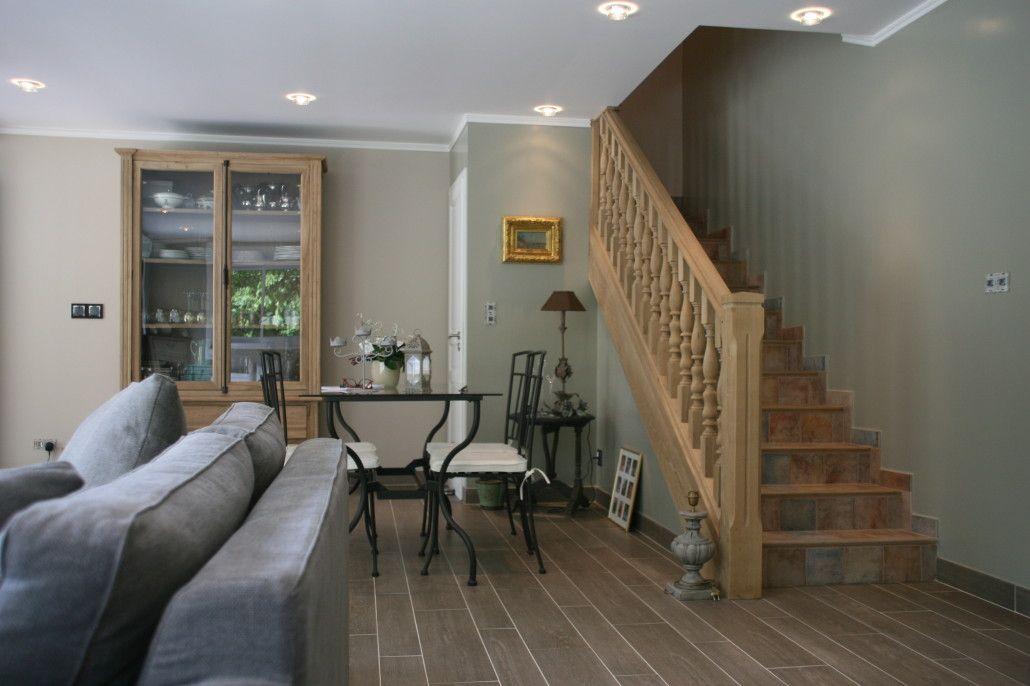 Beautiful Amenagement Salon Avec Escalier Images - Design Trends ...