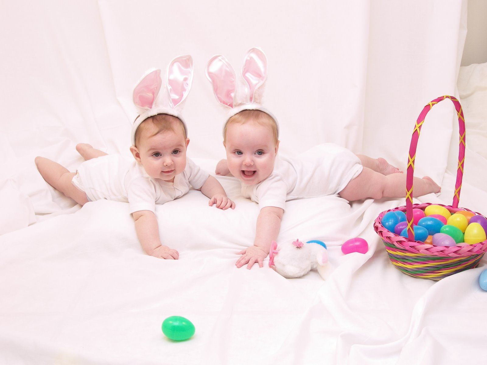 Easter pics think the twins would look so cute in this pose easter pics think the twins would look so cute in this pose negle Gallery