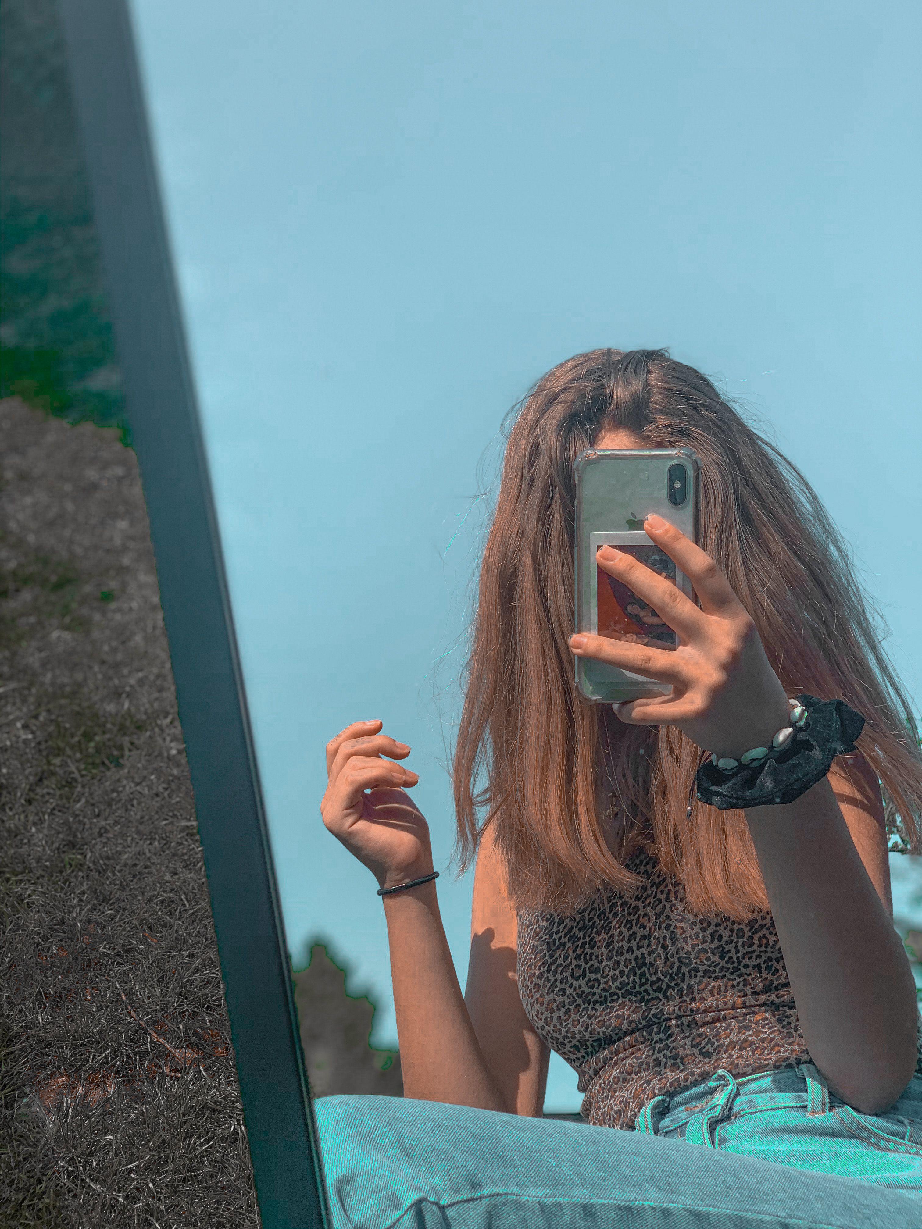 Outdoor Mirror Challenge In 2020 Selfie Poses Instagram Photography Poses Outdoor Mirror