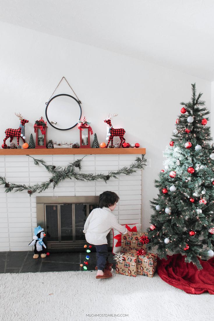 Red Rustic Christmas Mantel Decorations | Beautiful walls ...