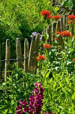 New Erfahren Sie wie Sie einen Staketenzaun aus Holz selber bauen Anleitung zum Selbstbau und Aufbau im Garten
