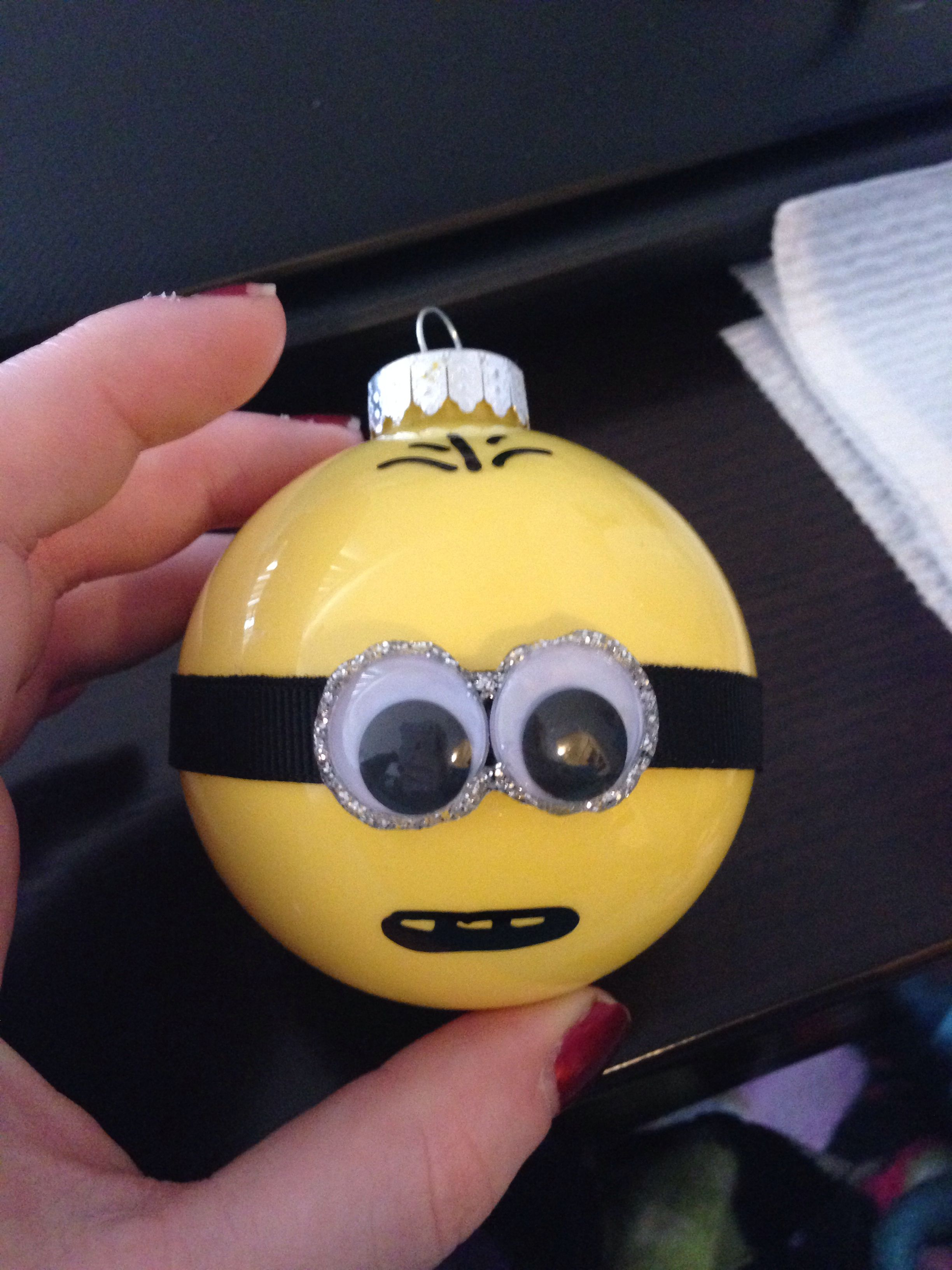 Minion ornaments i bought all of the materials from for Clear plastic craft ornaments michaels