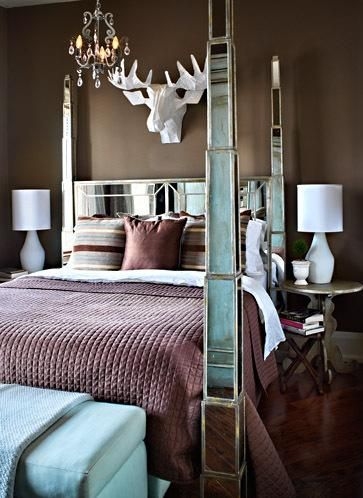 mirrored bed I photos by Donna Griffith via The Lennoxx blog Comfy