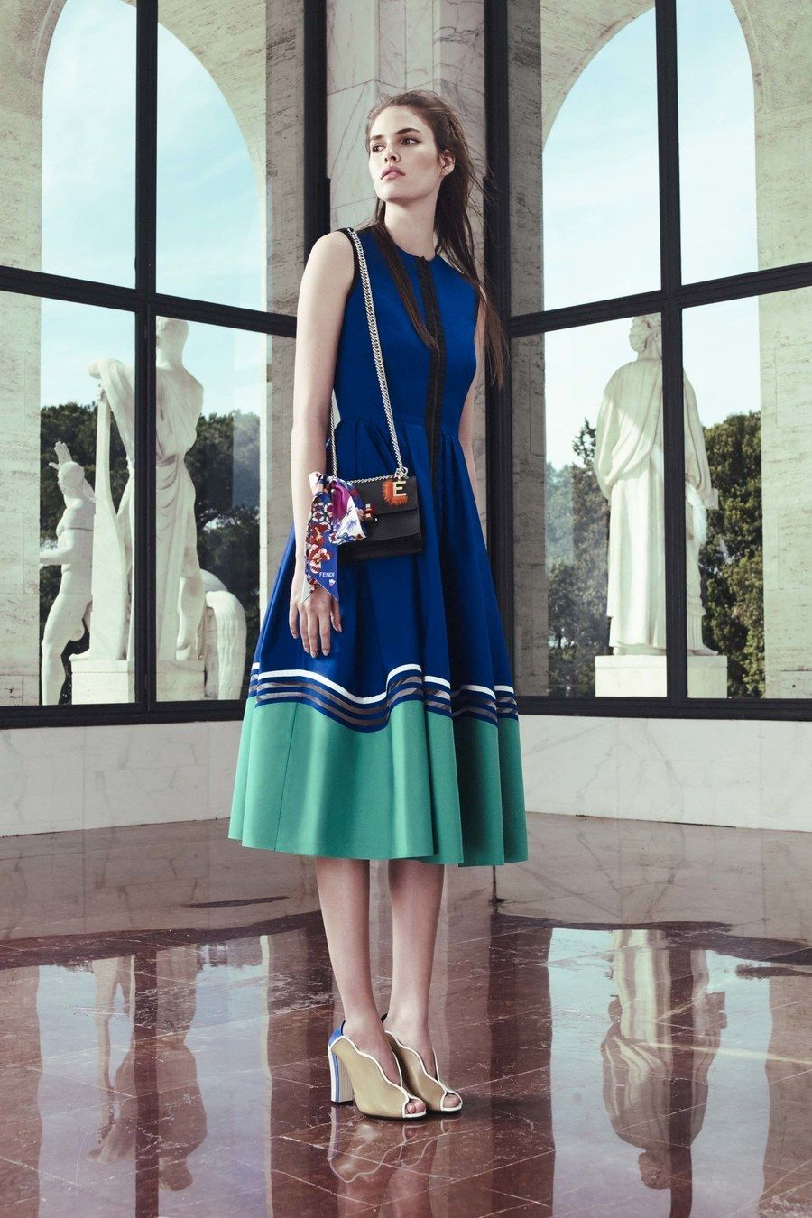 See the complete Fendi Resort 2017 collection.