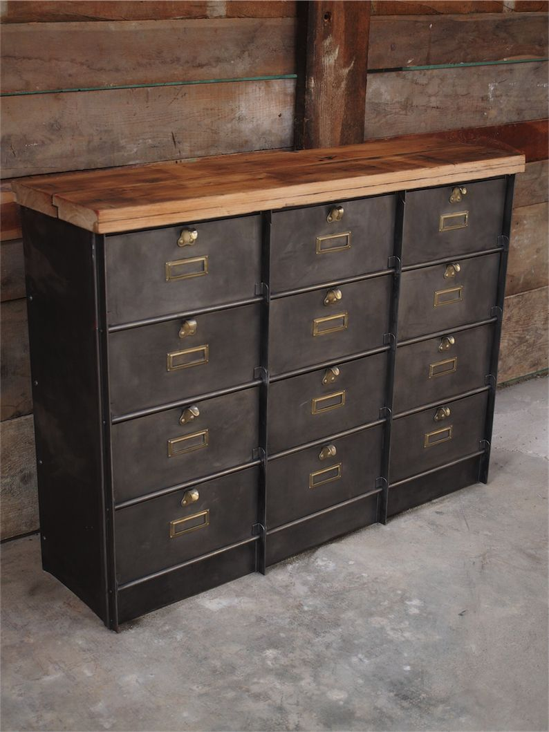 Ancien grand meuble 12 casiers industriel strafor plateau for Meuble bureau 76