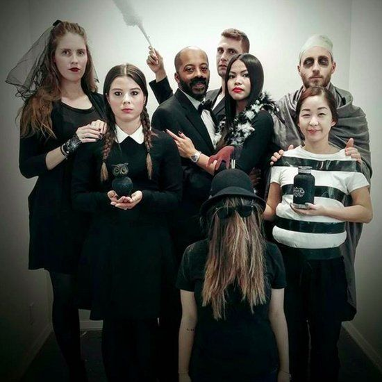36 Couples Costume Ideas That Are Ridiculously Cheap Costumes - halloween group costume ideas for work