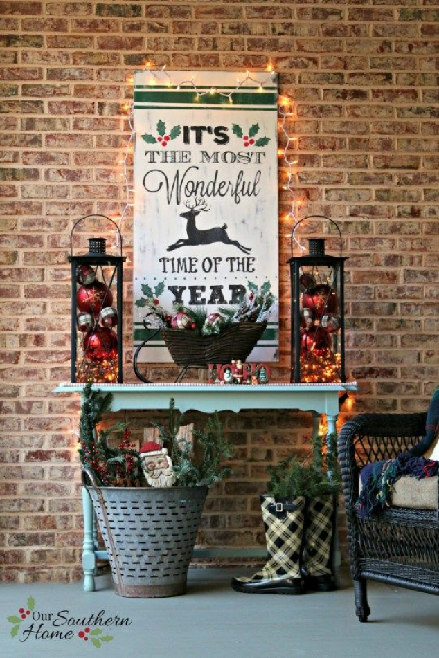 It's the most wonderful time of the year vintage look hand-painted DIY Christmas sign by Our Southern Home. This is much easier that you think! You've got to check it out! #homeforchristmas #diychristmas #diy #christmas #signs