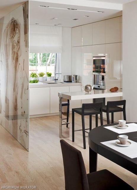 Decoracion facil cocinas peque as con islas espejos - Fotos de cocinas pequenas y modernas ...