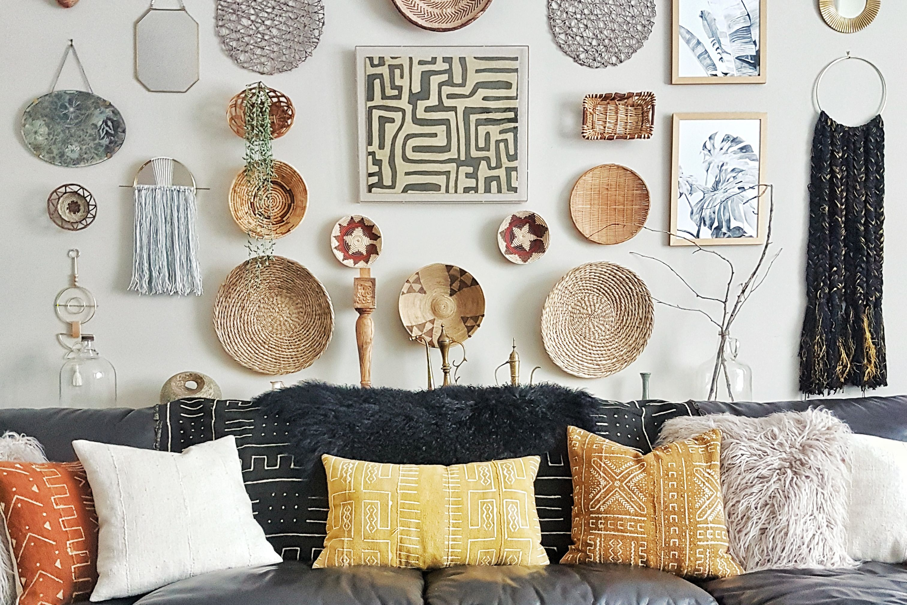 awesome wall decor ideas for tiny spaces gaucin pinterest