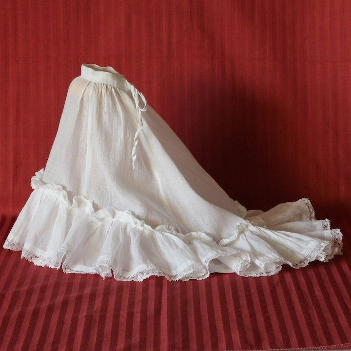 Pretty ancient French white cotton and lace flounce petticoat for fashion doll #dollunderware
