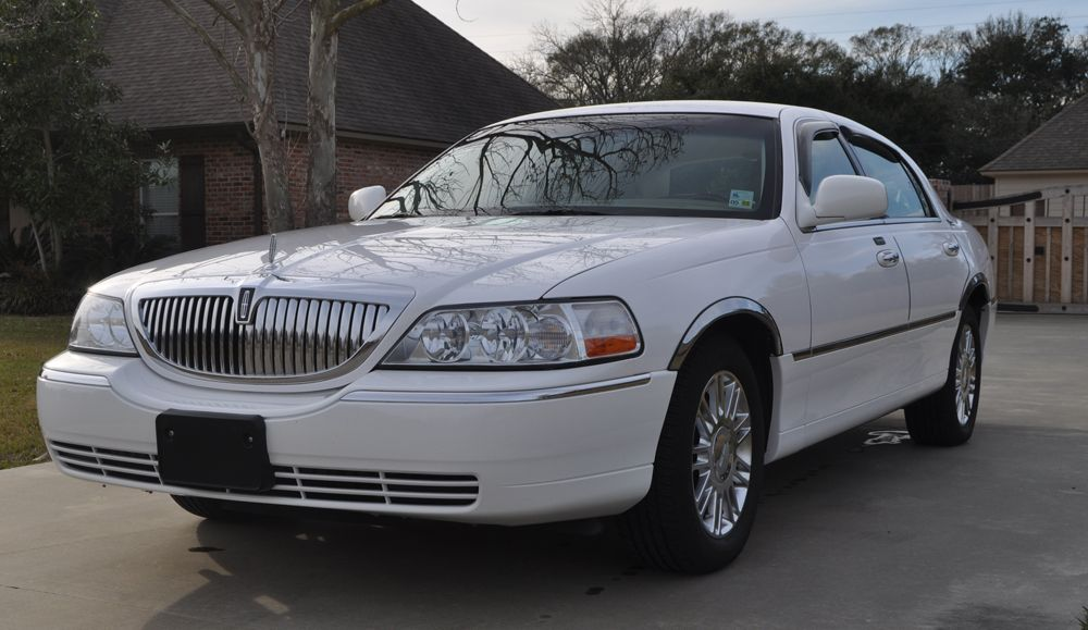 2009 Lincoln Town Car Signature Series See More At Www Fullattentiontodetail Portfolio