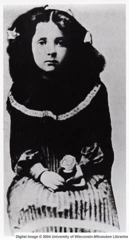 1904: Golda Meir first known portrait in Pinsk, Russia... you can see the spark in her eyes even at this very young age.