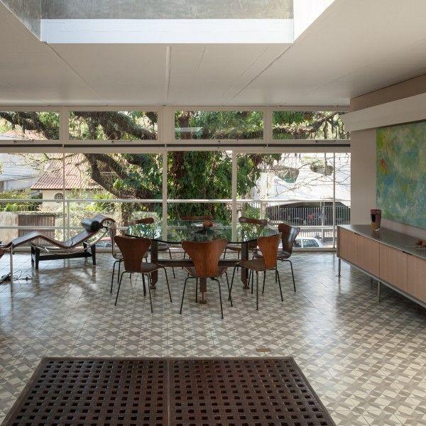 ↩ Gerassi House, São Paulo, Brazil.