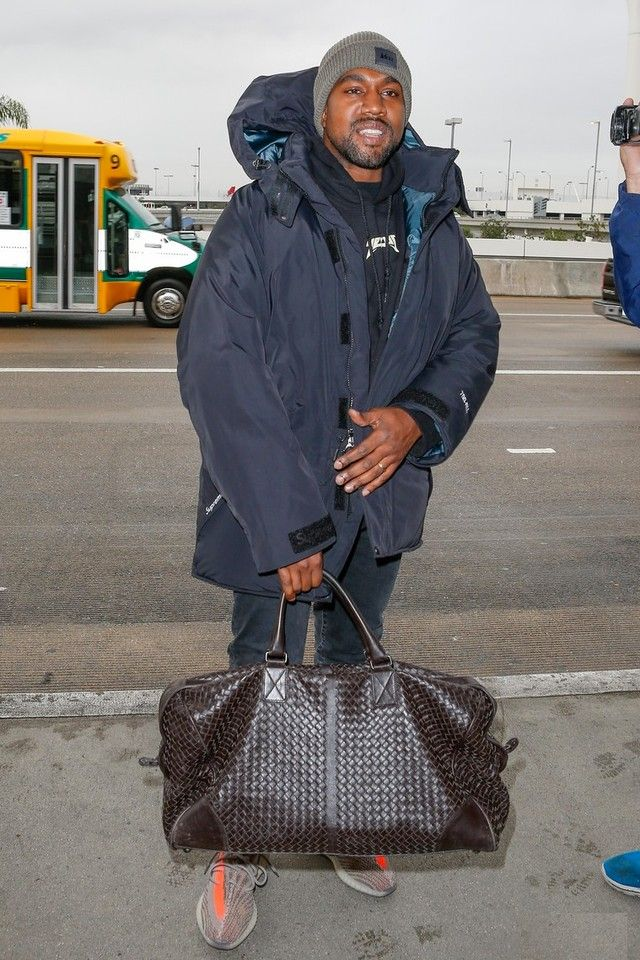 d9ce1c57225 Kanye West - Arriving at LAX Airport on