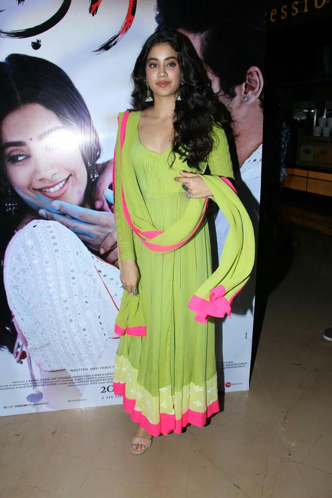 Jhanvi Kapoor At Dhadak Movie Trailer Launch Bollywood Fashion