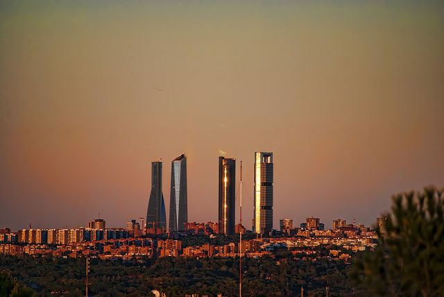 Atardecer sobre Madrid // Sunset over Madrid | Cuatro Torres Bussines Area - Photo by Jesús Solana.