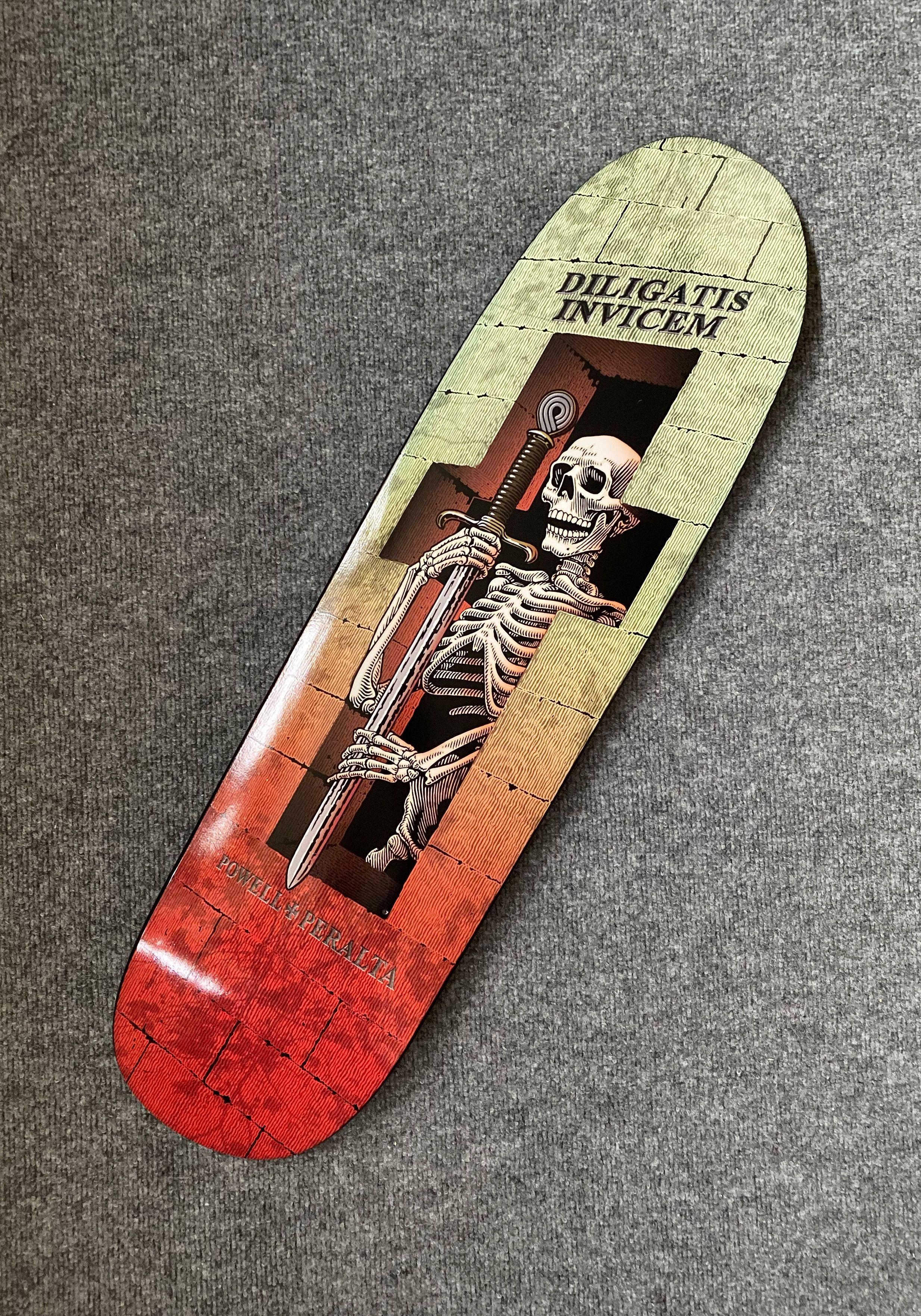 Powell Peralta Funshape Diligatis 3 Skateboard Deck Green Red 8 4 X 31 5 In 2020 Skateboard Skateboard Decks Skateboard Deck Art