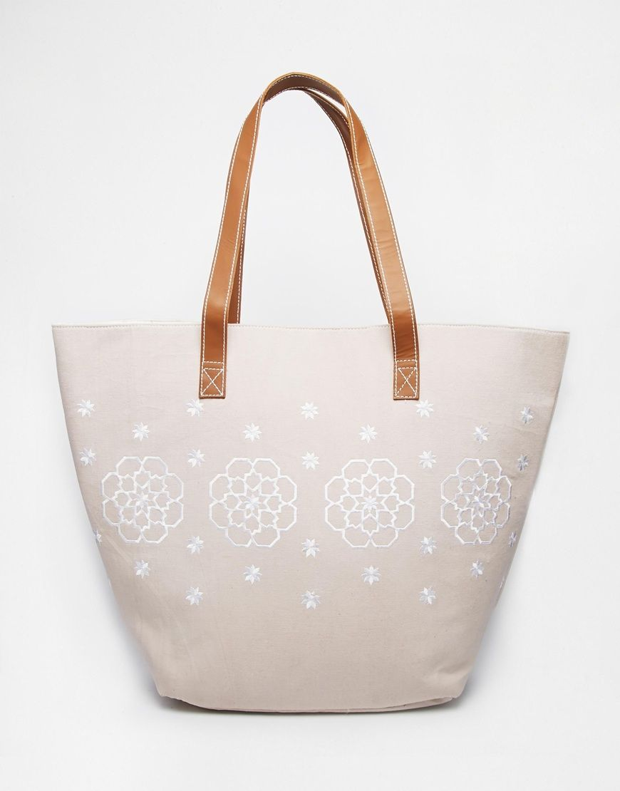 Orelia Embroidered Beach Bag | #MVGlamGetaway | Pinterest | Nappe ...