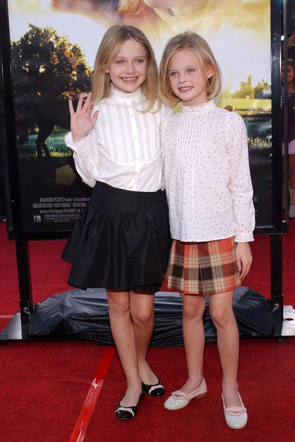 Dakota and Elle fanning at the LA premiere of Dreamer