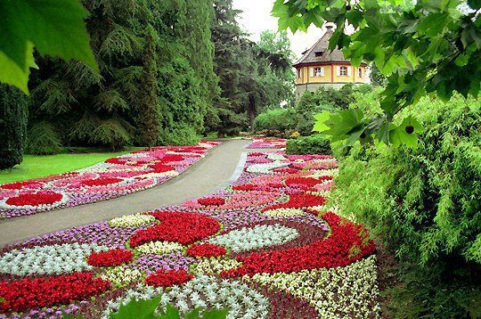 1000 images about gardens on pinterest beautiful gardens beautiful flowers garden and gardens